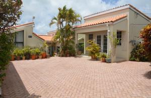 Hiltop, Cottage Heights, St. George, Barbados